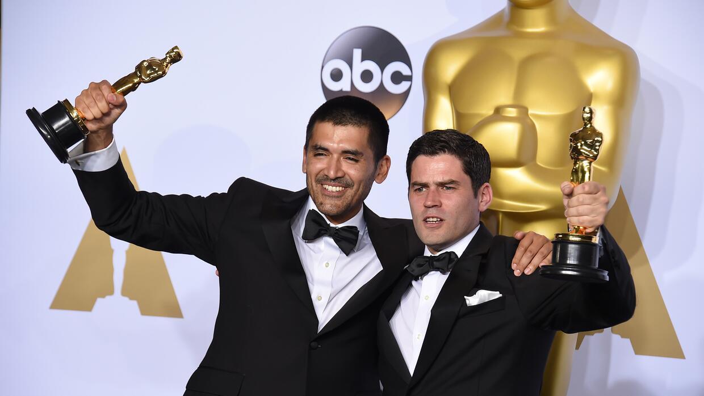El director Gabriel Osorio, a la izquierda, y el productor Pato Escala,...