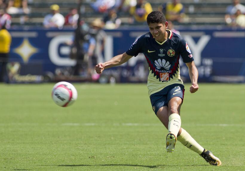 Gallos Blancos se quedó con la Supercopa MX tras vencer con categoría al...