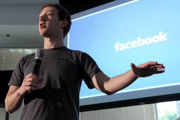 El fundador de la red social Facebook, Mark Zuckerberg forma parte del l...