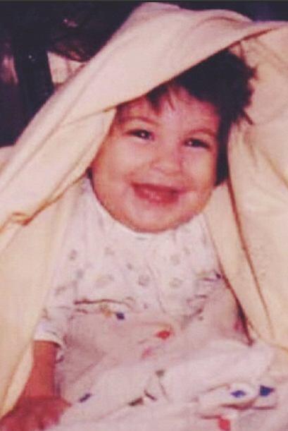 ¡Pero que hermosa bebé! Desde pequeña las cámaras ya la adoraban.