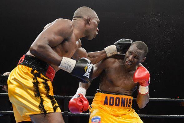 El camerunés intentó por muchos medios, pero la calidad del campeón era...