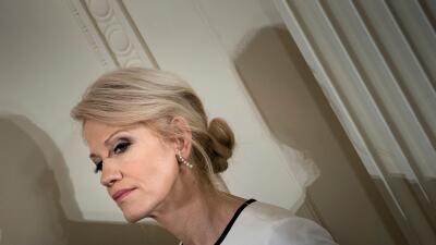 La consejera del presidente, Kellyanne Conway, en una conferencia de pre...