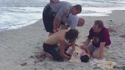 Dos adolescentes pierden sus extremidades al ser atacados por un tiburón