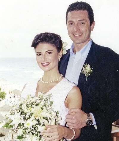 Alejandra Ávalos y sus esposos