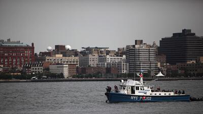En una semana tres muertos salen a flote en la Ciudad de Nueva York RESC...