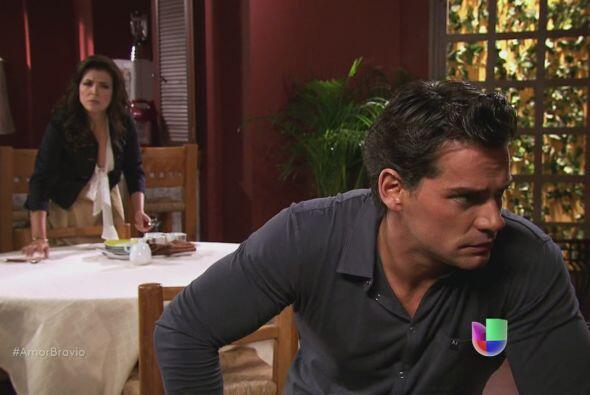 Daniel habla con Dante y Teresa sobre Abraham, quien está en la cárcel....