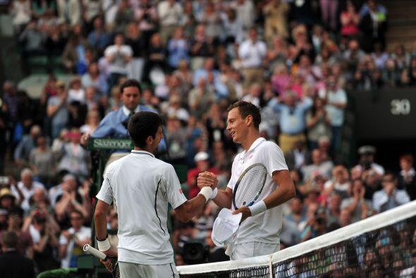 El serbio Novak Djokovic se coló al ganarle al checo Tomas Berdych, por...