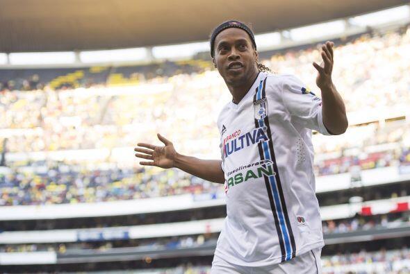 Los rumores acerca de la continuidad de Ronaldinho con el Queréta...