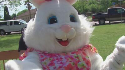 Miles de familias celebran el domingo de pascua en parques de San Antonio