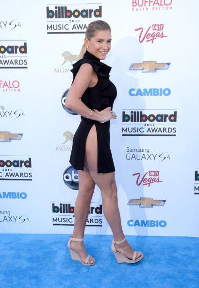 ¡Otra que dejó muy poco a la imaginación fue Fergie en los Billboard de...