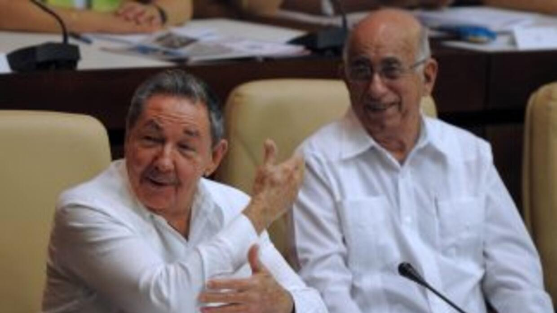 Cuba oficializa la guayabera para actividades diplomáticas o de Estado