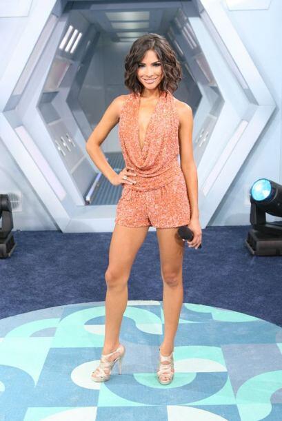 En varias ocasiones, Alejandra ha estado presente en Premios Juventud.