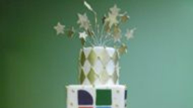 El pastel de cumpleaños 41 fue elabarado en Sugar Room por Juan Arache.