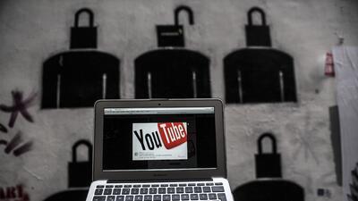 Las empresas de internet sufren presión de gobiernos occidentales...