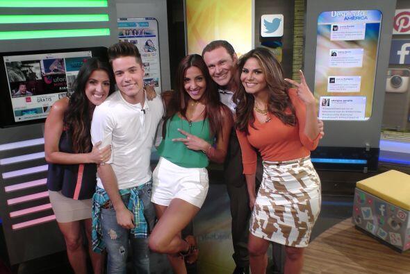 Déjate envolver por todos los beneficios que Univision tiene para ti y c...