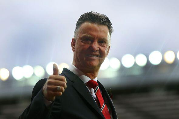 Louis van Gaal daba la bienvenida para el duelo de su Manchester United...