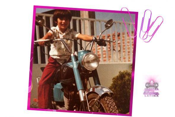 Desde pequeño ha sido aficionado a las motocicletas.