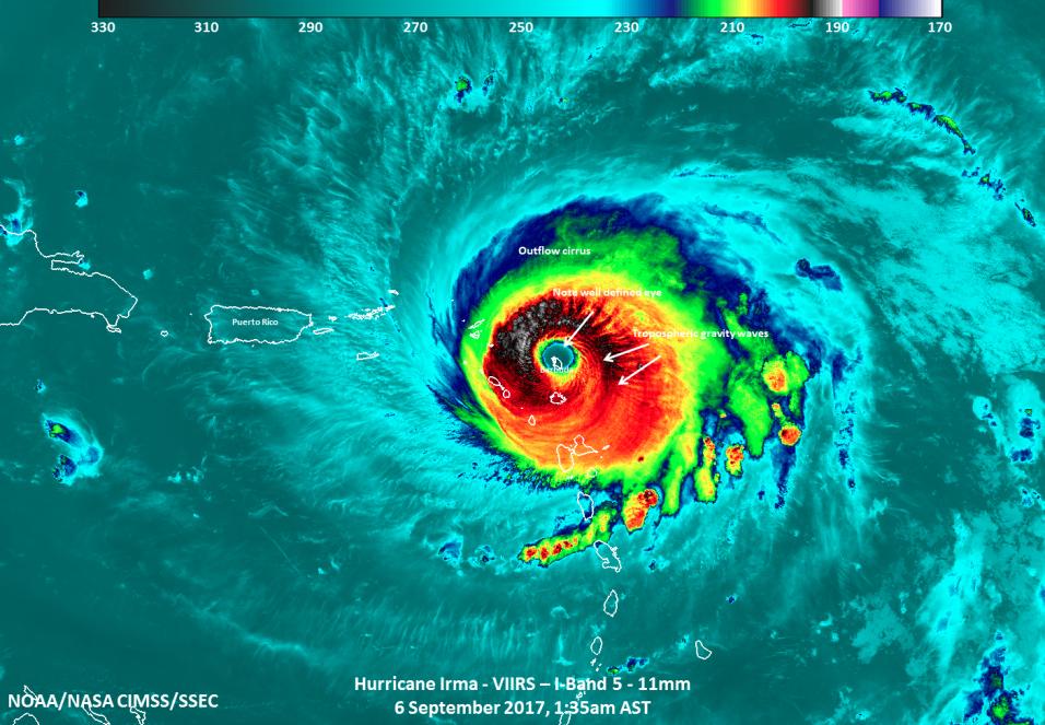 Imagen de satélite que muestra la isla de Barbuda justo en el cen...