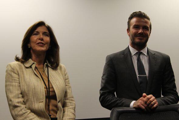Claudia Puig y David Beckham