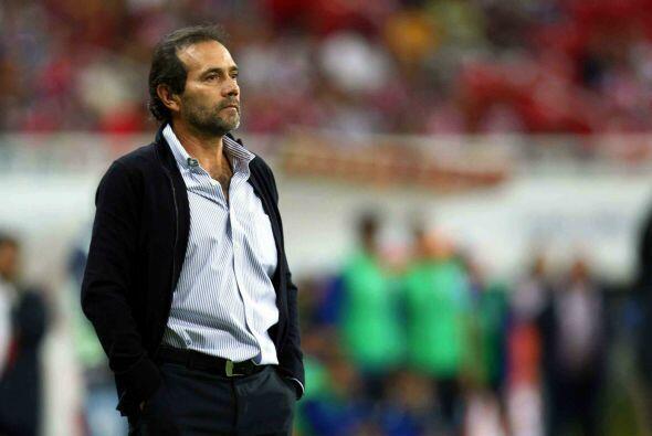 Ese mismo año las Chivas despedían a Fernando Quirarte a solo dos meses...