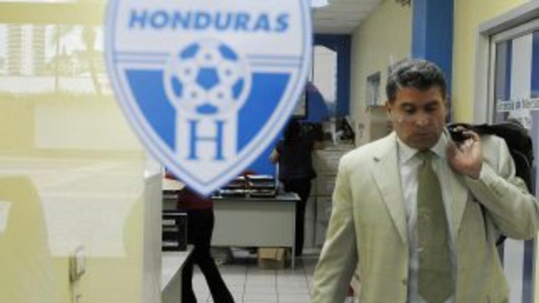 Luis Suárez buscará caras nuevas para mejorar el rendimiento de Honduras.