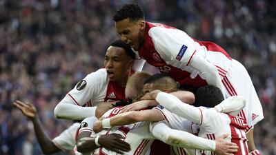 La máquina juvenil del Ajax destrozó a Lyon y sueña con la final de Europa League