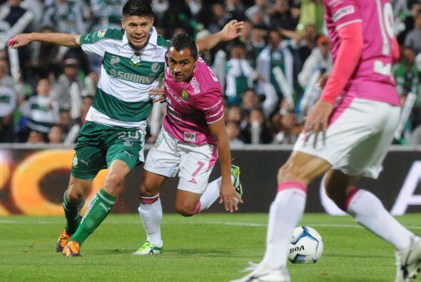 Oribe Peralta sufrió muchísimo con la presión de León y con la marca que...