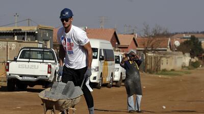 Así fue el trabajo social de las figuras de la NBA en Sudáfrica previo al partido de exhibición