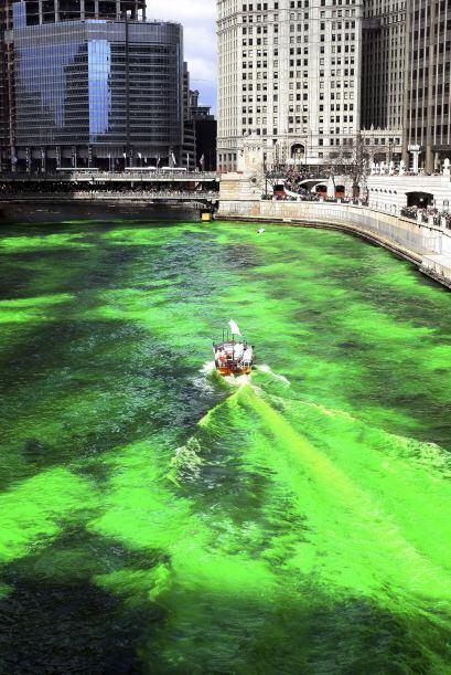 Se tiñe de verde el Río Chicago este 15 de marzo a partir de las 10am. L...