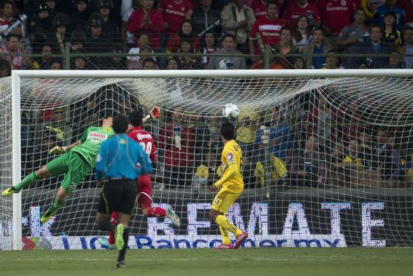Esta es la imágen del segundo gol del Toluca, en el que moisés Muñoz que...
