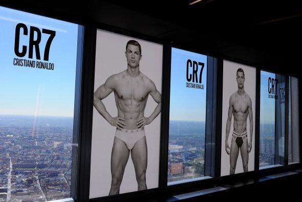 'CR7' presentó su línea de ropa interior