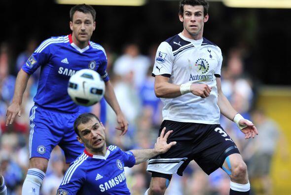 Chelsea recibió al poderoso Tottenham con la obligación de ganar para so...