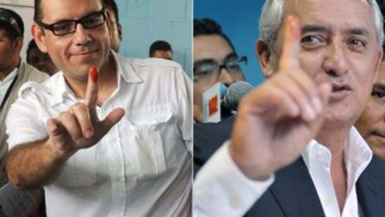 El ex militar derechista Otto Pérez Molina y el empresario también derec...