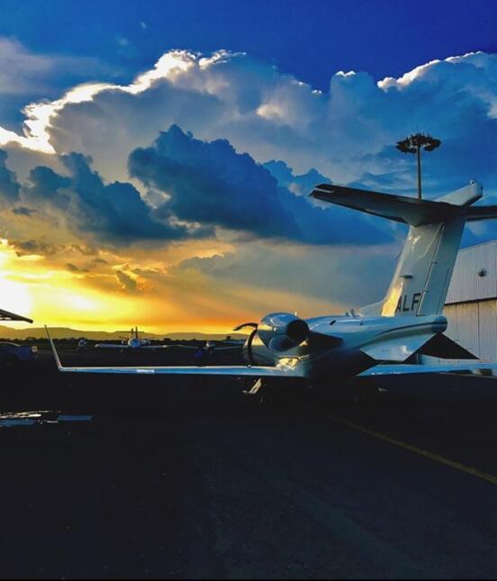 Avión privado Alejandro Fernández