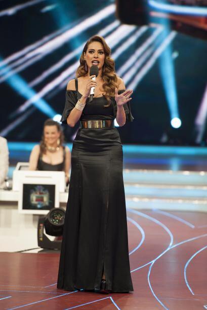 Por ejemplo, este vestido negro de seda, que utilizó en la semifinal, qu...