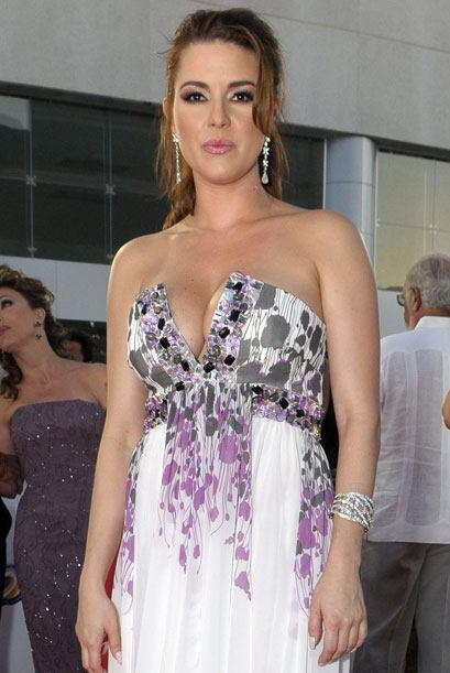 Alicia Machado sigue luciendo sexy pero llevando una vida saludable.