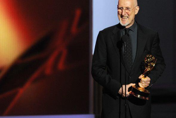 El veterano James Cromwell ganó el Emmy por mejor actor de reparto en mi...