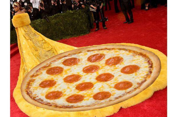 Una deliciosa pizza de peperoni.