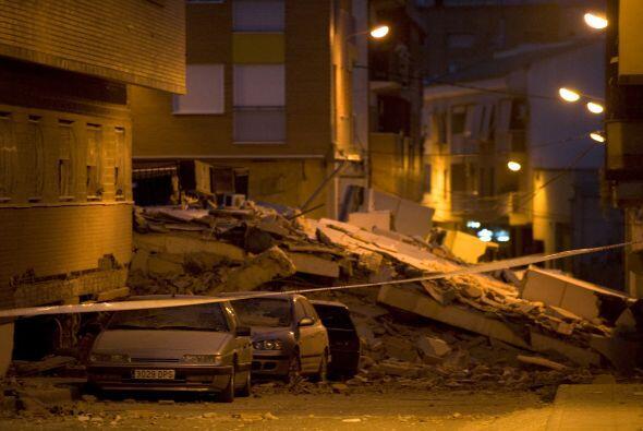 El terremoto causó el derrumbe de varios edificios en la localidad de 92...