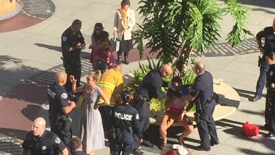 Un hombre fue apuñalado en el centro comercial Hollywood and Highland