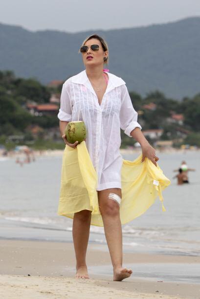 Aunque parezca increíble Andressa ya camina por las playas de Brasil.