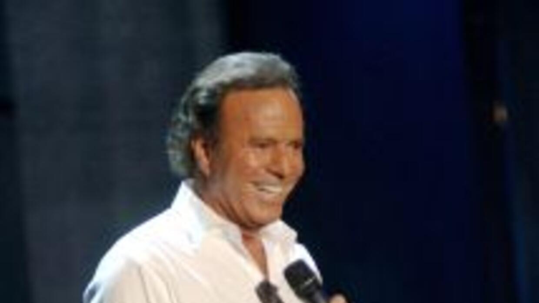 El cantante español no se quedó callado ante los rumores de su posible d...