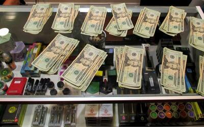 """Dinero decomisado por la venta de marihuana como """"sacramento religi..."""