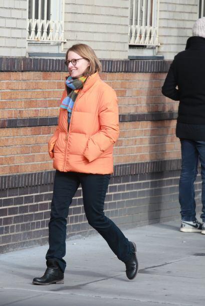 """La actriz ganadora del """"scar salió a caminar con su nueva pa..."""