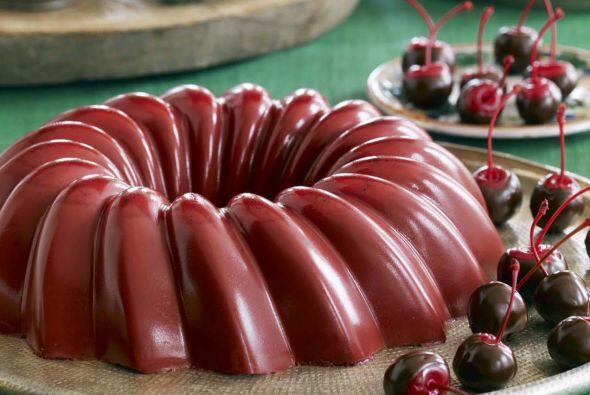 Gelatina de cerezas y chocolate: una mezcla de tres postres ultra favori...