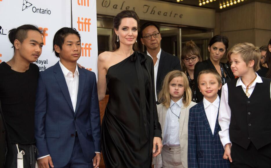 Gemelos de ANgelina Jolie y Brad Pitt