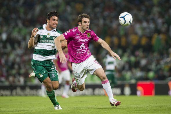 Mauro Boselli fue un delantero que no pudieron contener los laguneros, s...
