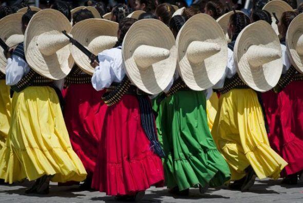 La celebración del 5 de Mayo da para todo, y eso aplica a la vestimenta....