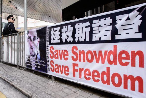 9 de junio: Edward Snowden llega a Hong Kong procedente de Hawai y cuent...