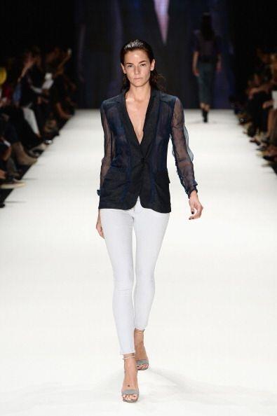 No te vendría nada mal conseguirte un 'blazer' como este con mang...